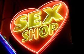 Поход в интернет-магазин для взрослых — эффективный метод разнообразить отношения